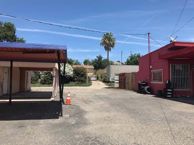 13433 Yosemite Boulevard, Waterford, CA 95386 (MLS #19043649) :: Keller Williams - Rachel Adams Group