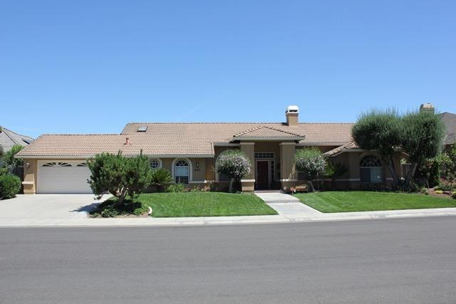 909 Bogarin Lane, Ripon, CA 95366 (MLS #19044540) :: The Del Real Group