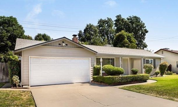 1526 W Benjamin Holt, Stockton, CA 95207 (MLS #19048845) :: The MacDonald Group at PMZ Real Estate