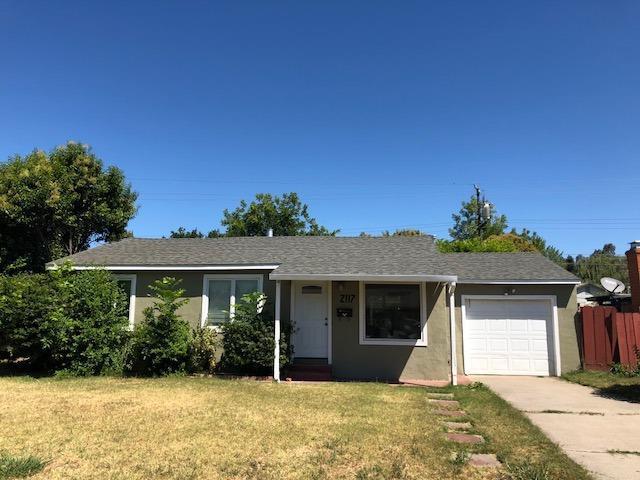 2117 Del Rio Drive, Stockton, CA 95204 (MLS #19051712) :: The Del Real Group