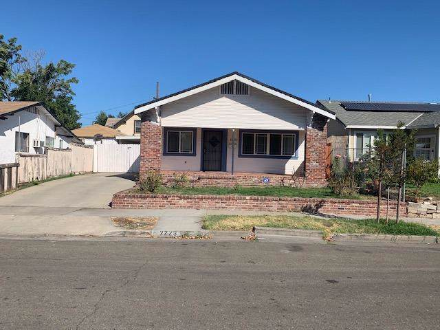 2223 E Scotts Avenue, Stockton, CA 95205 (MLS #19066748) :: Keller Williams - Rachel Adams Group