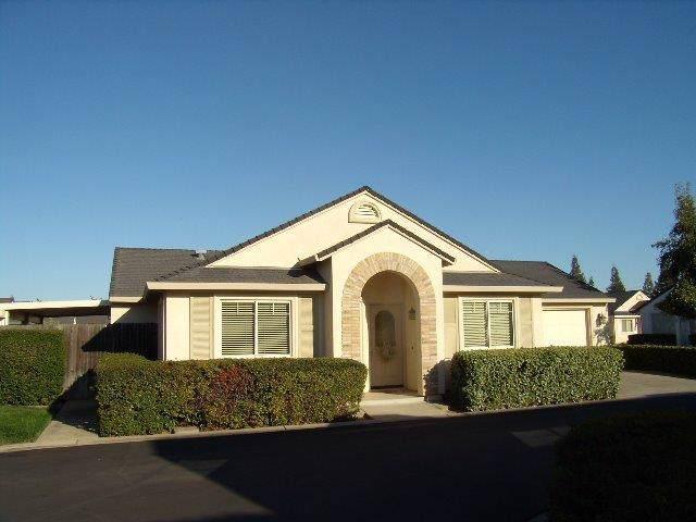 682 Village Drive, Galt, CA 95632 (MLS #19070600) :: The MacDonald Group at PMZ Real Estate