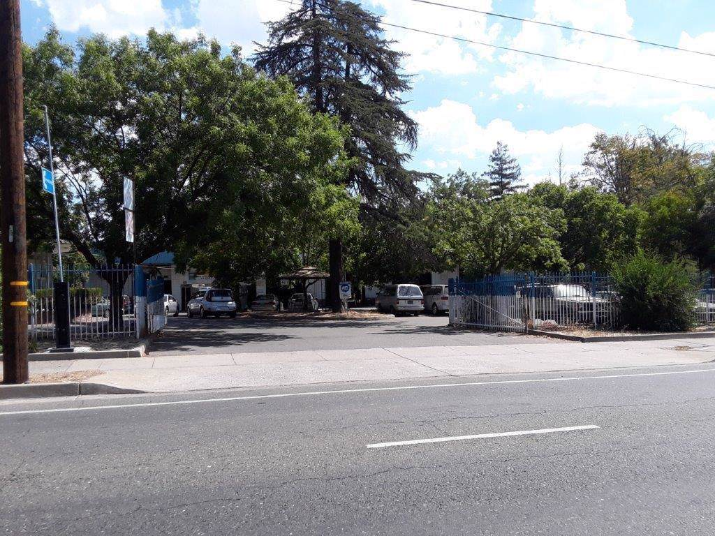 4411 Stockton Boulevard - Photo 1