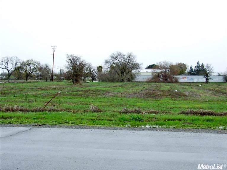 5919 Dry Creek Road - Photo 1