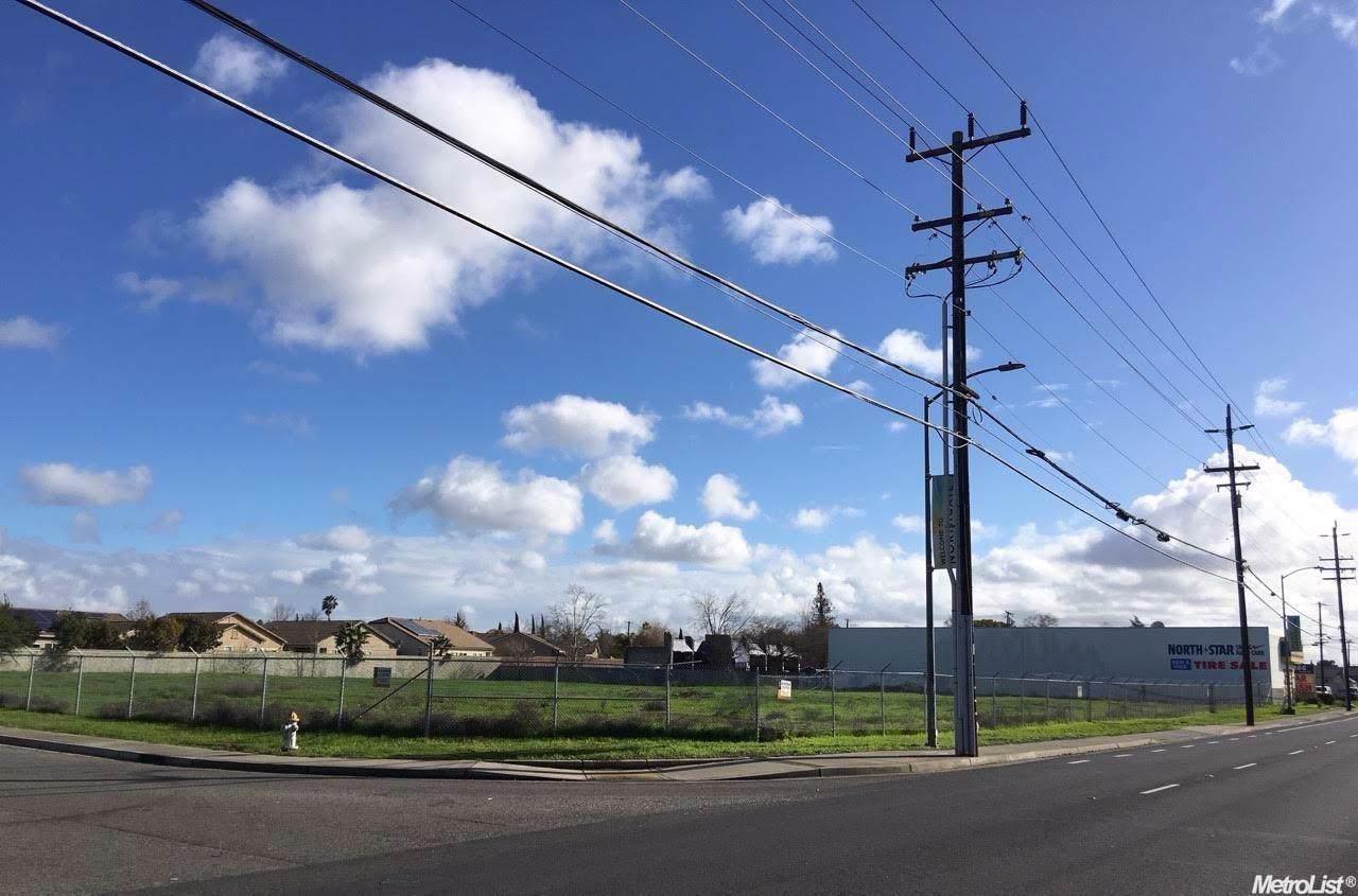 3216 Northgate Boulevard - Photo 1