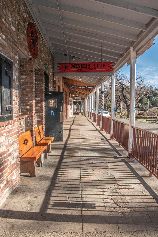 6285 Main Street - Photo 1