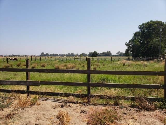 232 Swanson Road, Manteca, CA 95337 (MLS #20013036) :: Paul Lopez Real Estate