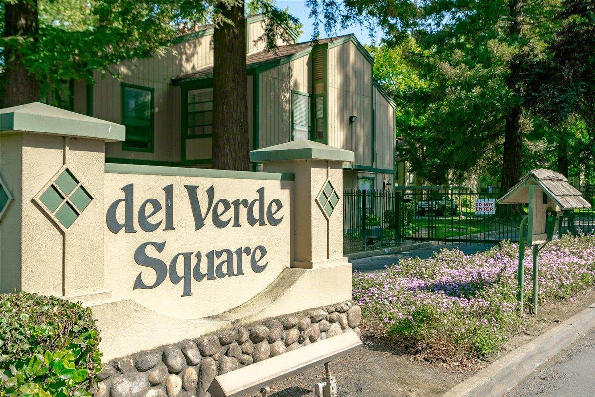 350 Del Verde Circle - Photo 1