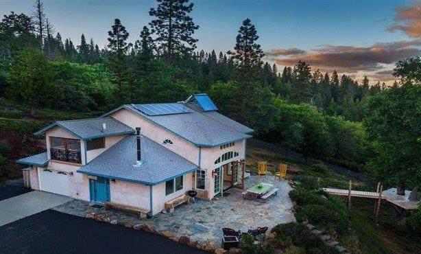 24243 Mount Elizabeth Road, Twain Harte, CA 95383 (MLS #20029883) :: Keller Williams Realty