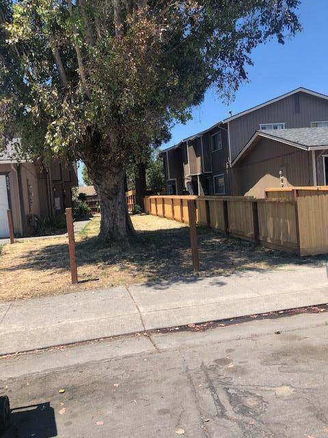 8063 Bernay Dr, Stockton, CA 95210 (MLS #20035915) :: The MacDonald Group at PMZ Real Estate