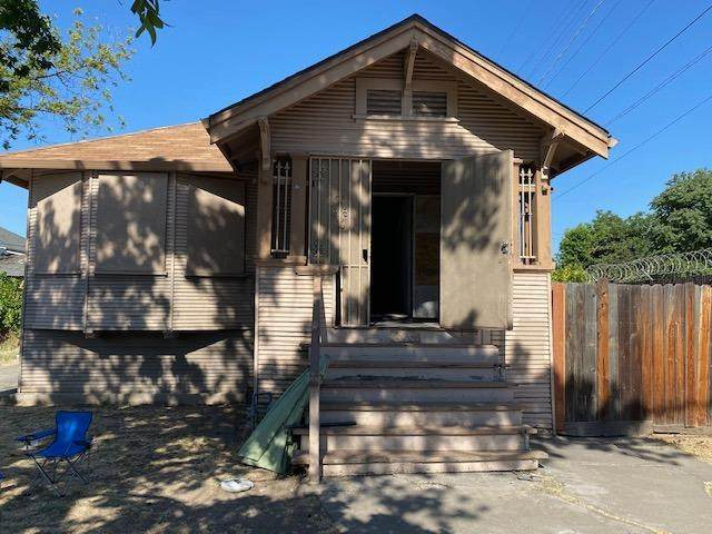 830 N Sierra Nevada Street, Stockton, CA 95205 (MLS #20037164) :: The Merlino Home Team