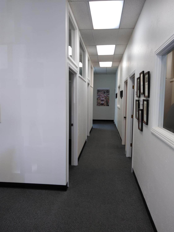 907 6TH Street - Photo 1