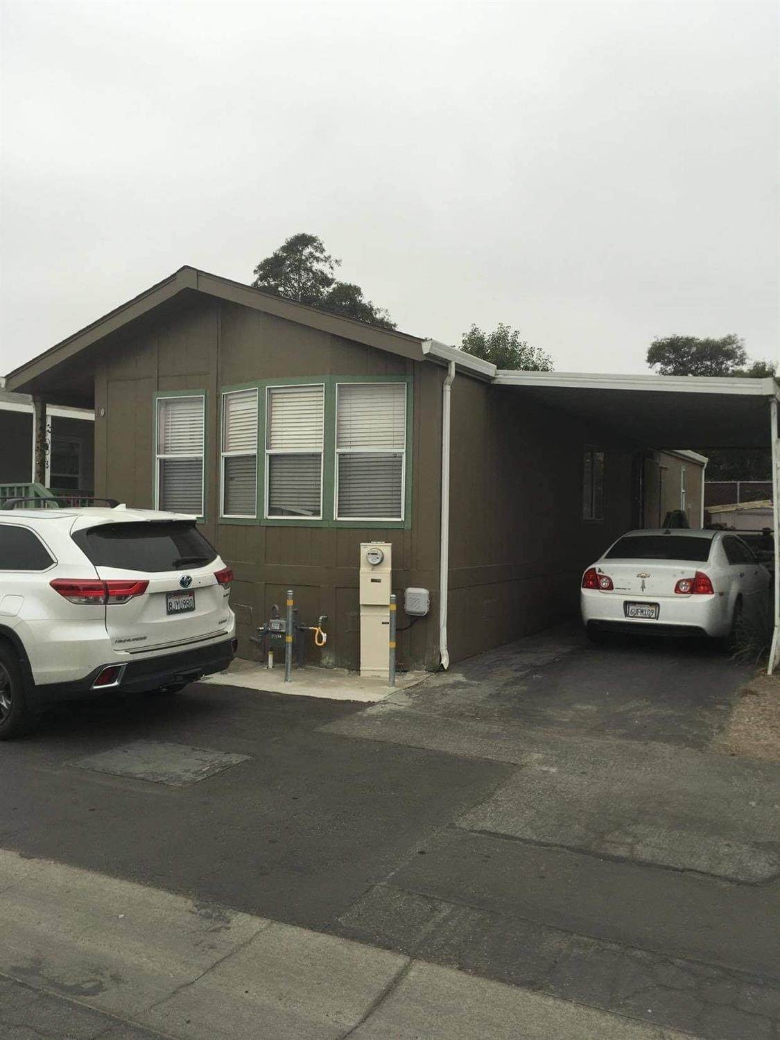 20 Russell Rd - Photo 1