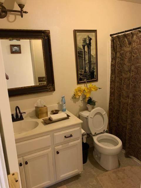 1477 Venice Circle, Stockton, CA 95206 (MLS #20064613) :: The MacDonald Group at PMZ Real Estate