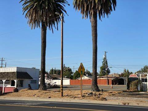 3223 Atchison Street, Riverbank, CA 95367 (MLS #20065995) :: The MacDonald Group at PMZ Real Estate