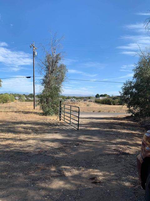 13180 Baker Rd, Red Bluff, CA 96080 (MLS #20066458) :: Paul Lopez Real Estate