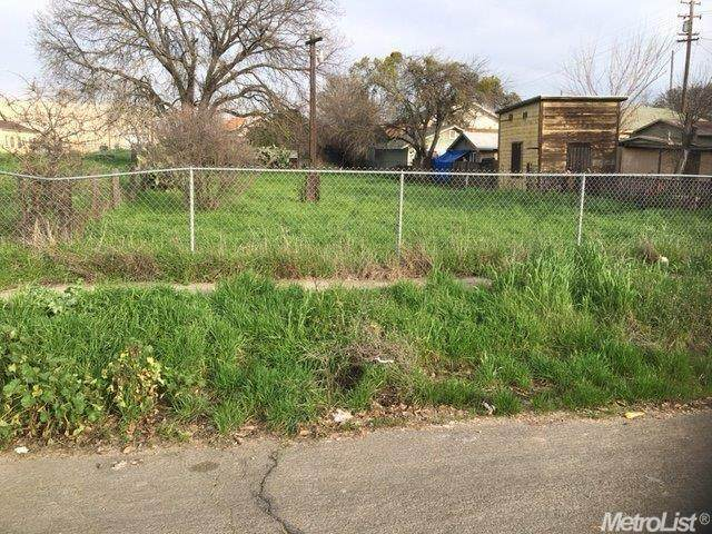 820 S Sutter Street, Stockton, CA 95206 (MLS #20077629) :: The MacDonald Group at PMZ Real Estate
