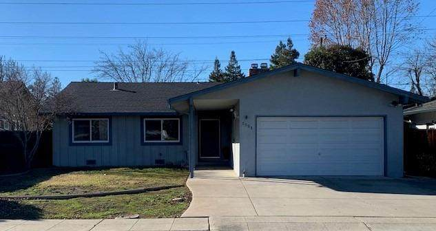 1321 Lillian Street, Livermore, CA 94550 (MLS #20078049) :: Paul Lopez Real Estate
