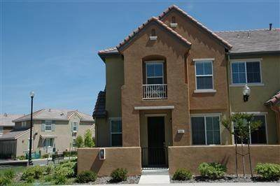 201 Dante Circle #83, Roseville, CA 95678 (MLS #20080728) :: The MacDonald Group at PMZ Real Estate