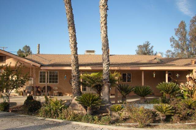 3179 W Caruthers Avenue, Caruthers, CA 93609 (#221002497) :: Jimmy Castro Real Estate Group