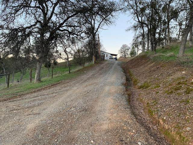 3021 Granite Springs Road, Coulterville, CA 95311 (#221008832) :: The Lucas Group