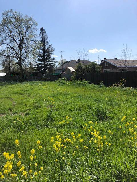 731 Elm Street, West Sacramento, CA 95605 (MLS #221025680) :: Keller Williams - The Rachel Adams Lee Group