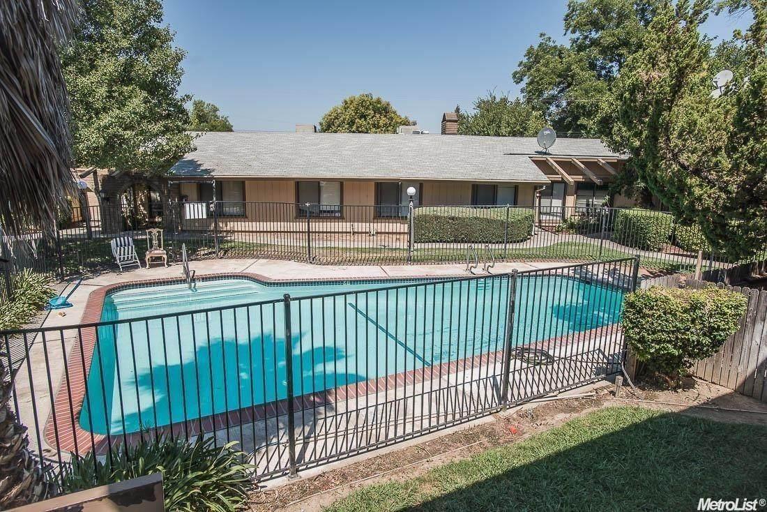 1326 Oak Terrace Court - Photo 1