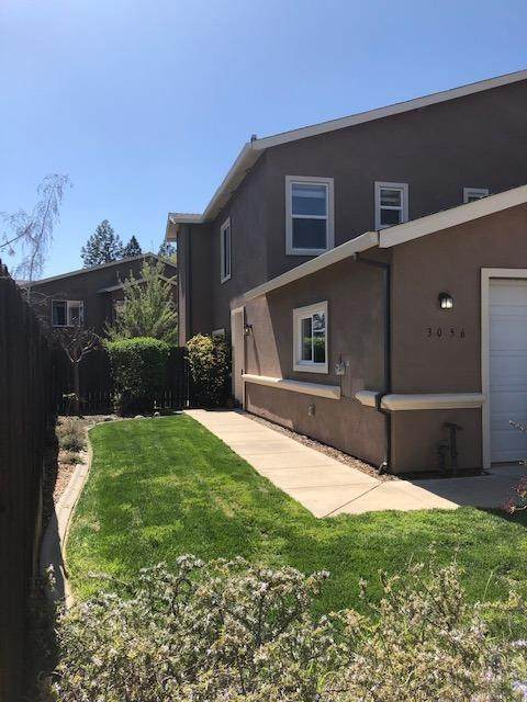 3056 Courtside Drive, Diamond Springs, CA 95619 (#221031031) :: The Lucas Group