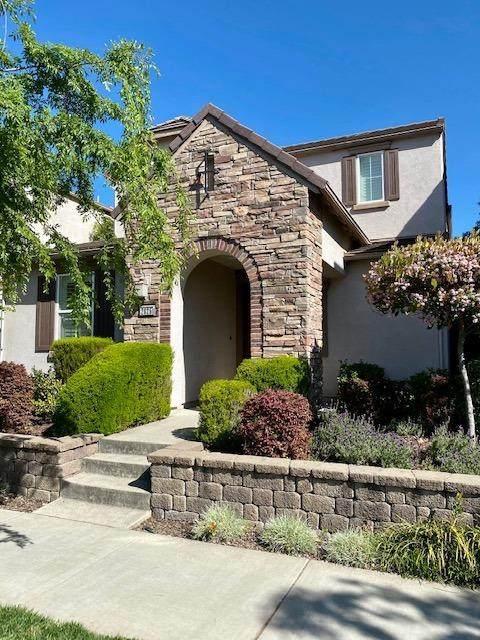 2825 Market Street, Roseville, CA 95747 (MLS #221036951) :: The Merlino Home Team