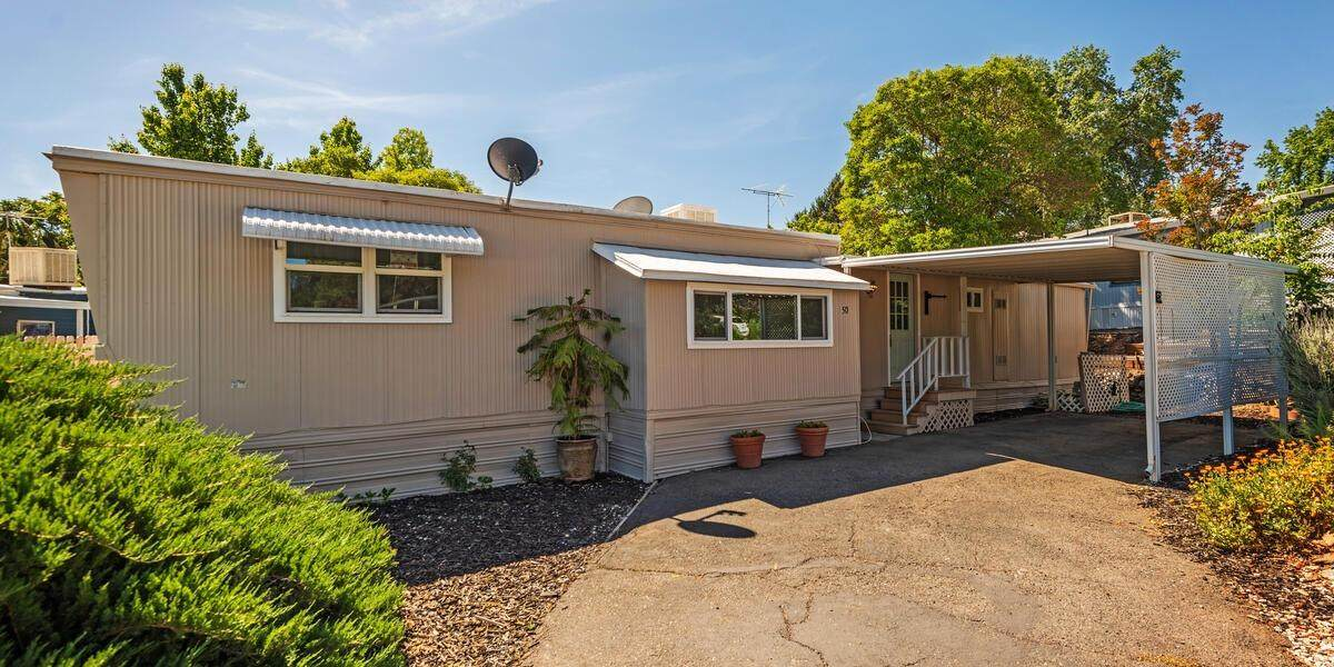 1605 Grass Valley Hwy - Photo 1