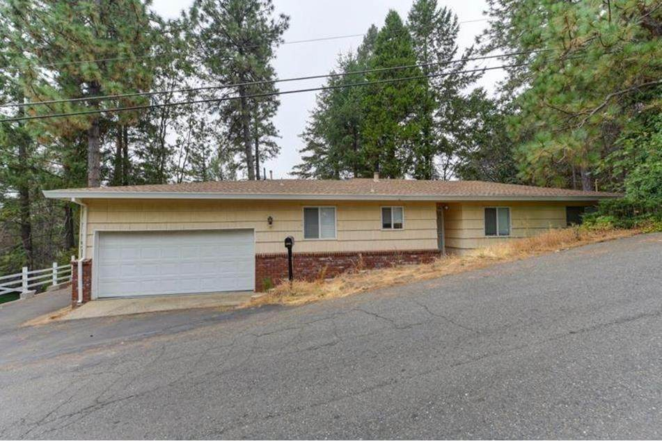 1829 Point View Drive - Photo 1