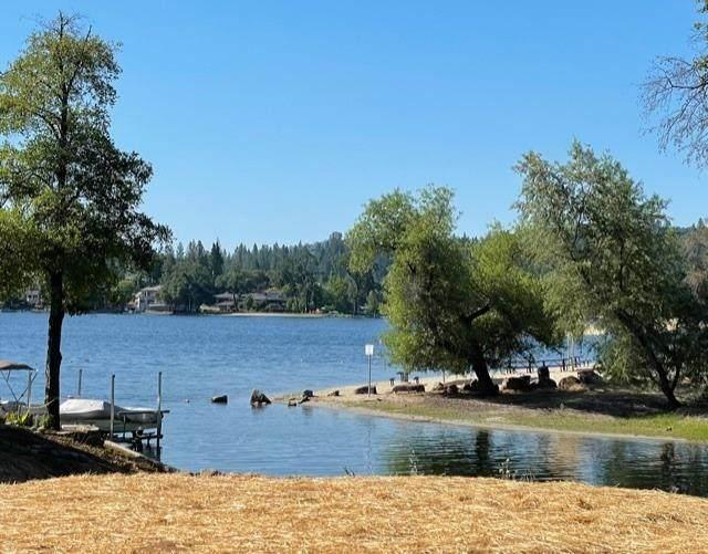 18901 Wildflower Drive, Penn Valley, CA 95946 (#221061948) :: Rapisarda Real Estate