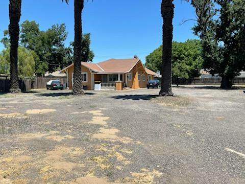 2536 5th Street, Ceres, CA 95307 (#221065189) :: Rapisarda Real Estate