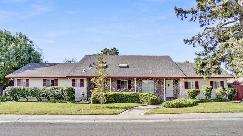 116 Redwood Drive - Photo 1
