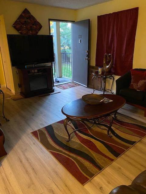 3591 Quail Lakes Drive #228, Stockton, CA 95207 (MLS #221066502) :: Heather Barrios
