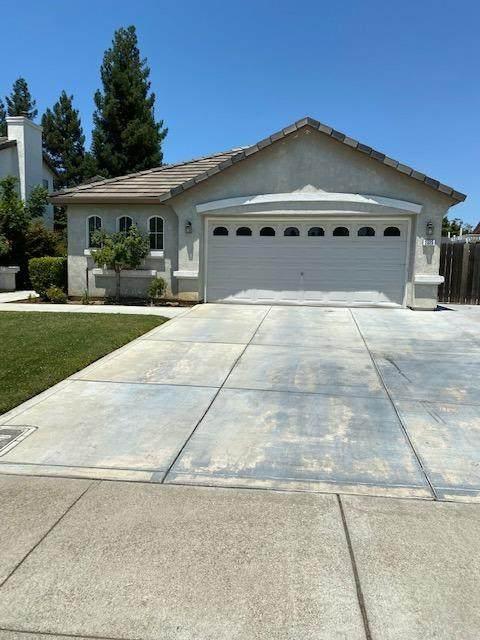 2525 W Elm Street, Lodi, CA 95242 (#221070209) :: Rapisarda Real Estate