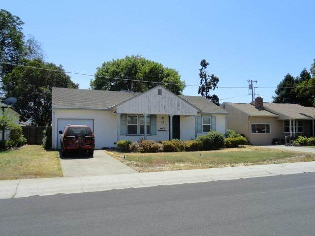 12 E Barrymore Street, Stockton, CA 95204 (MLS #221070558) :: The MacDonald Group at PMZ Real Estate