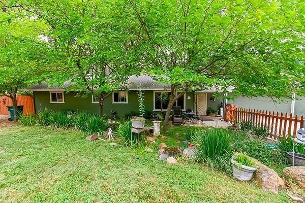 17643 Alexandra Way, Grass Valley, CA 95949 (MLS #221091726) :: Keller Williams Realty
