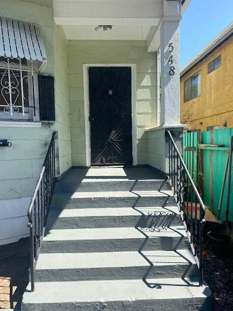 548 E 17th, Oakland, CA 94606 (MLS #221117435) :: Keller Williams - The Rachel Adams Lee Group
