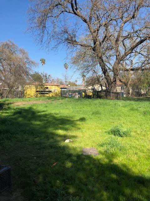 1625 Los Robles, Sacramento, CA 95838 (MLS #221117737) :: Keller Williams Realty