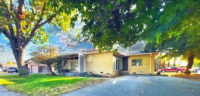 1730 Sunrise Avenue, Modesto, CA 95350 (MLS #221123857) :: 3 Step Realty Group