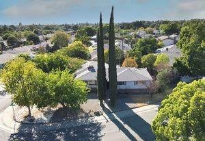7080 Cromwell Way, Sacramento, CA 95822 (MLS #221128184) :: Keller Williams Realty