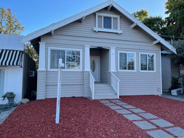 110 E 10th Street, Tracy, CA 95376 (MLS #221130897) :: DC & Associates