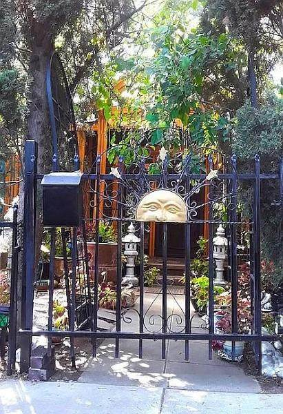 677 Elm Street, San Jose, CA 95126 (MLS #221133053) :: Heather Barrios