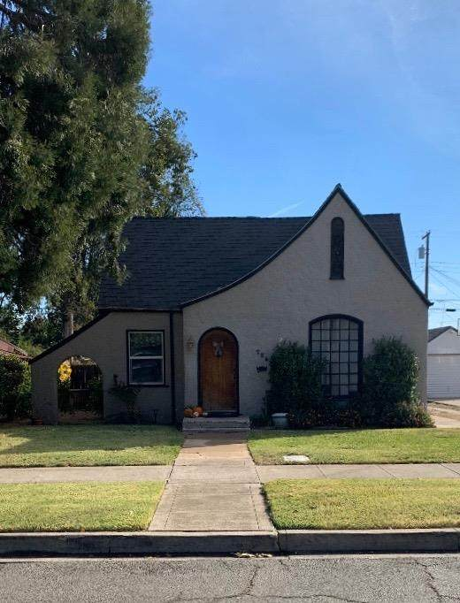 726 S School Street, Lodi, CA 95240 (MLS #221134157) :: Live Play Real Estate | Sacramento
