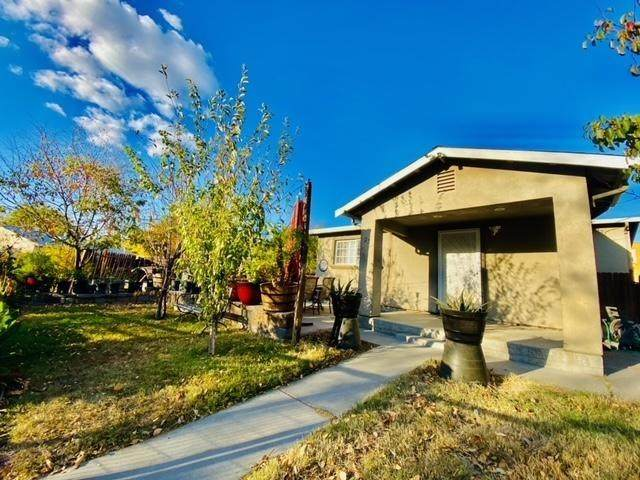 23 Coral Lane, Sacramento, CA 95815 (MLS #221134384) :: The Merlino Home Team