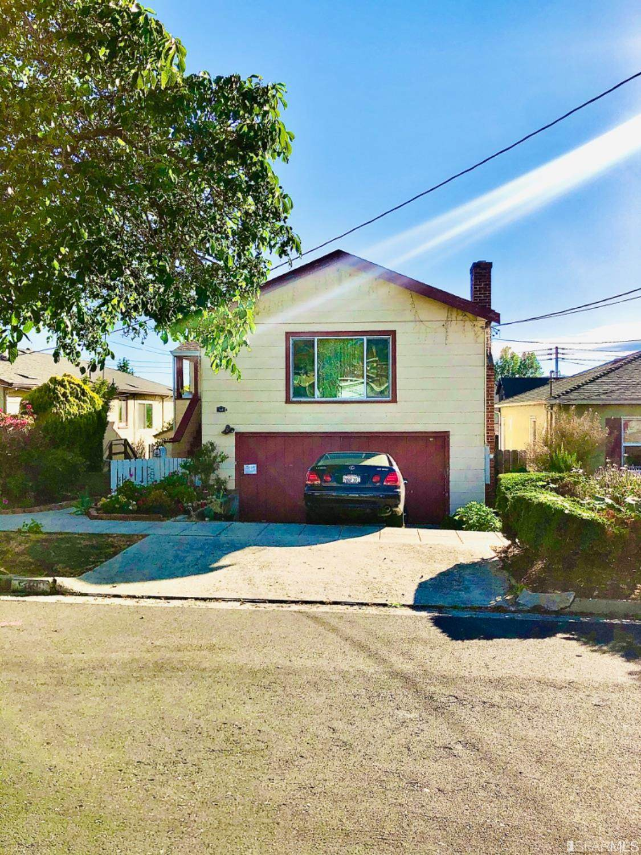 539 Everett Street - Photo 1