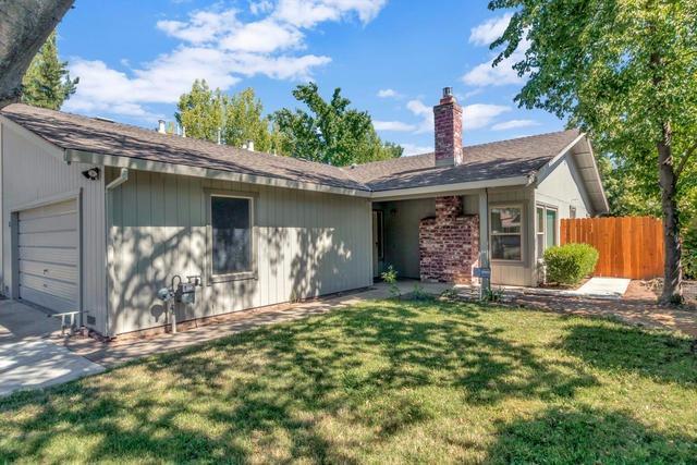 1 Galley Court, Sacramento, CA 95831 (MLS #17040243) :: Keller Williams Realty
