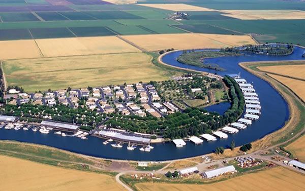 19 Sleepy Hollow Drive, Lodi, CA 95242 (MLS #18014536) :: The MacDonald Group at PMZ Real Estate