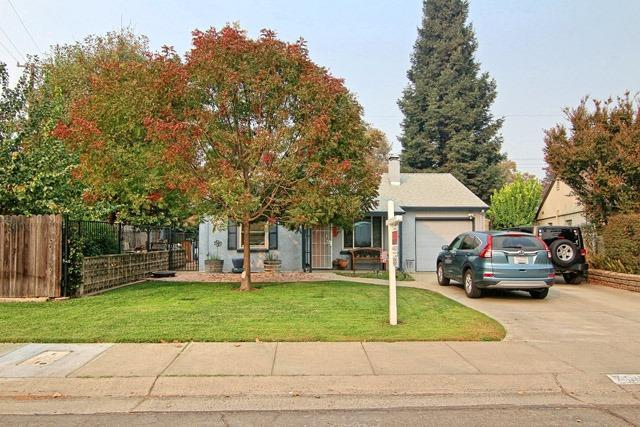 701 7th Avenue, Sacramento, CA 95818 (MLS #18077282) :: Heidi Phong Real Estate Team